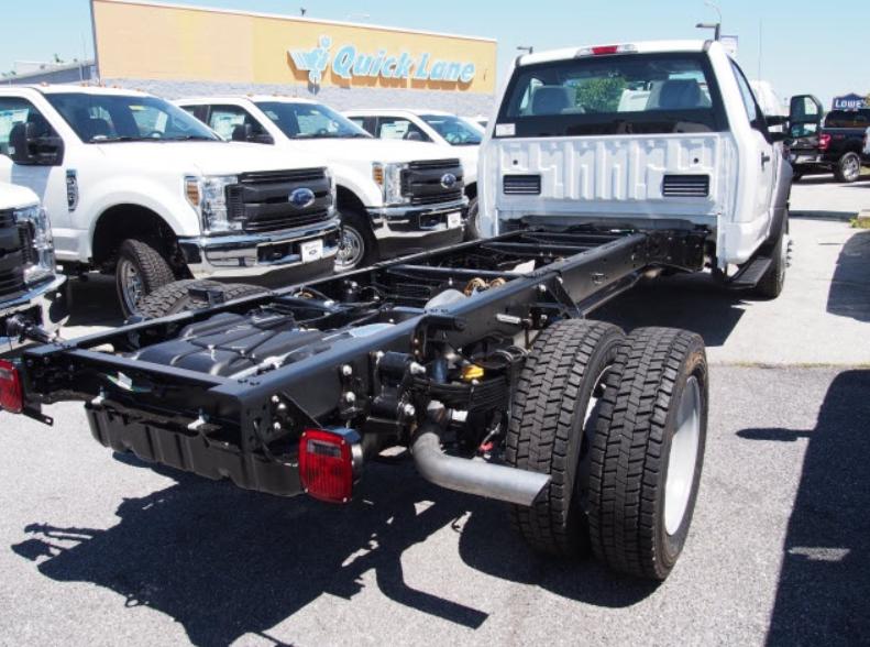 2023 Ford F-550 Engine